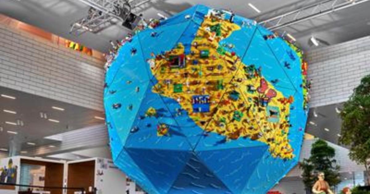 Bambini durante il lockdown le creazioni Lego diventano un globo di 4 mt di altezza
