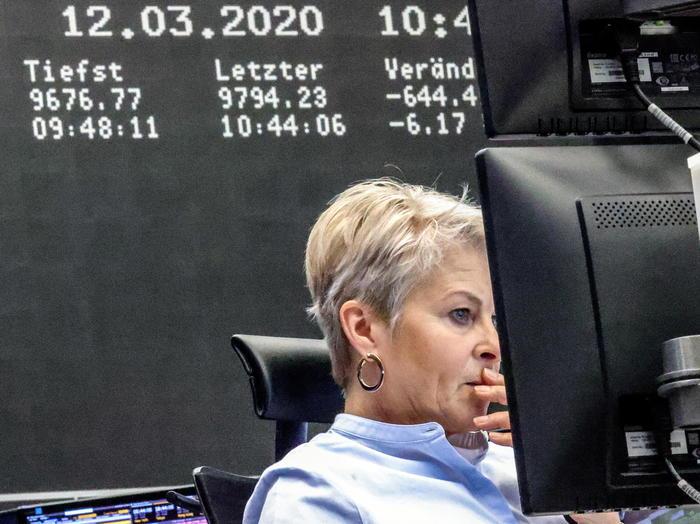 Borsa Europa si appesantisce ancora Milano 086