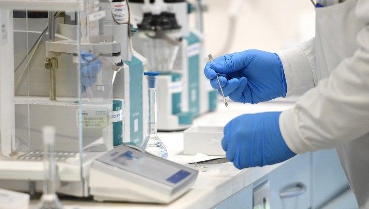 Brasile muore un volontario del vaccino di Oxford e AstraZeneca