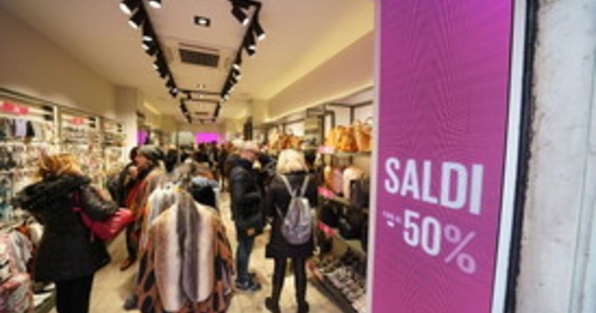Consumi con lockdown a Natale si brucerebbero 25 miliardi di spesa