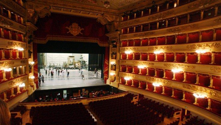 Coronavirus alla Scala salgono a 21 i positivi tra il coro e lorchestra del teatro. Uno di loro e in ospedale