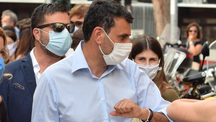 Coronavirus scontro Governo Comuni su chiusura piazze Decaro Norma inapplicabile