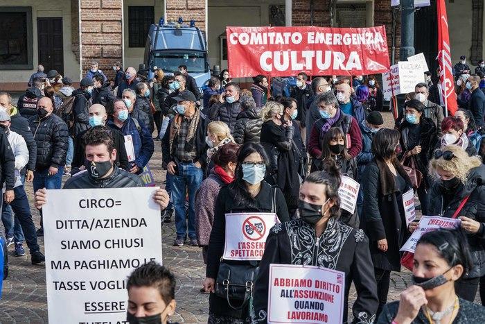 Covid Acri a rischio coesione sociale e democrazia