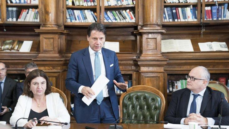 Covid Conte informa la Camera sullultimo Dpcm