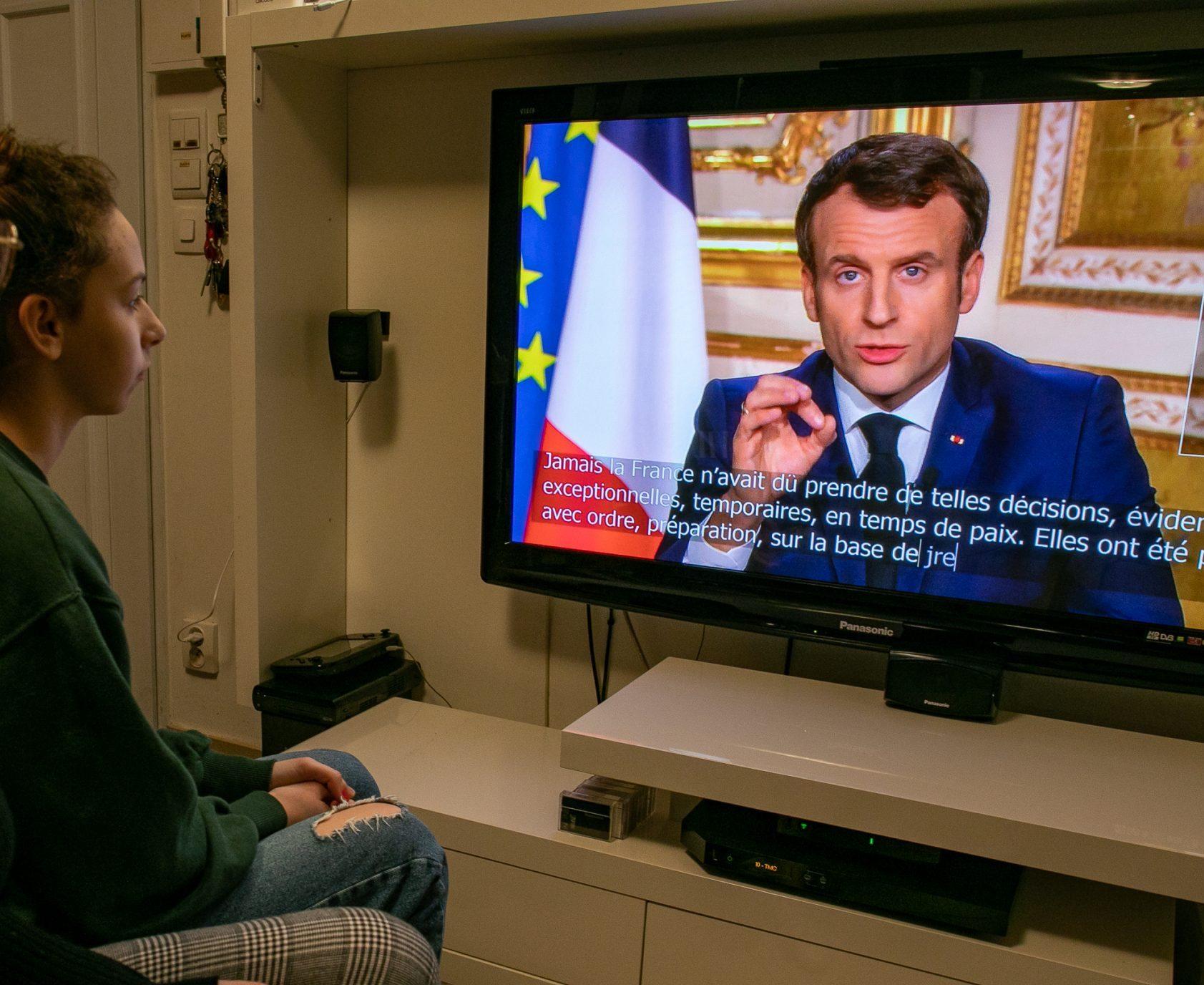 Covid verso nuovi blocchi in Europa stasera Macron parla ai francesi