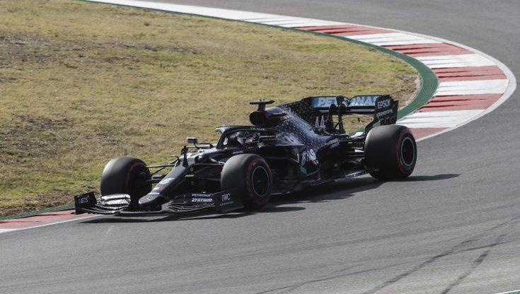 F1 Gp Portogallo pole di Hamilton quarta la Ferrari di Leclerc
