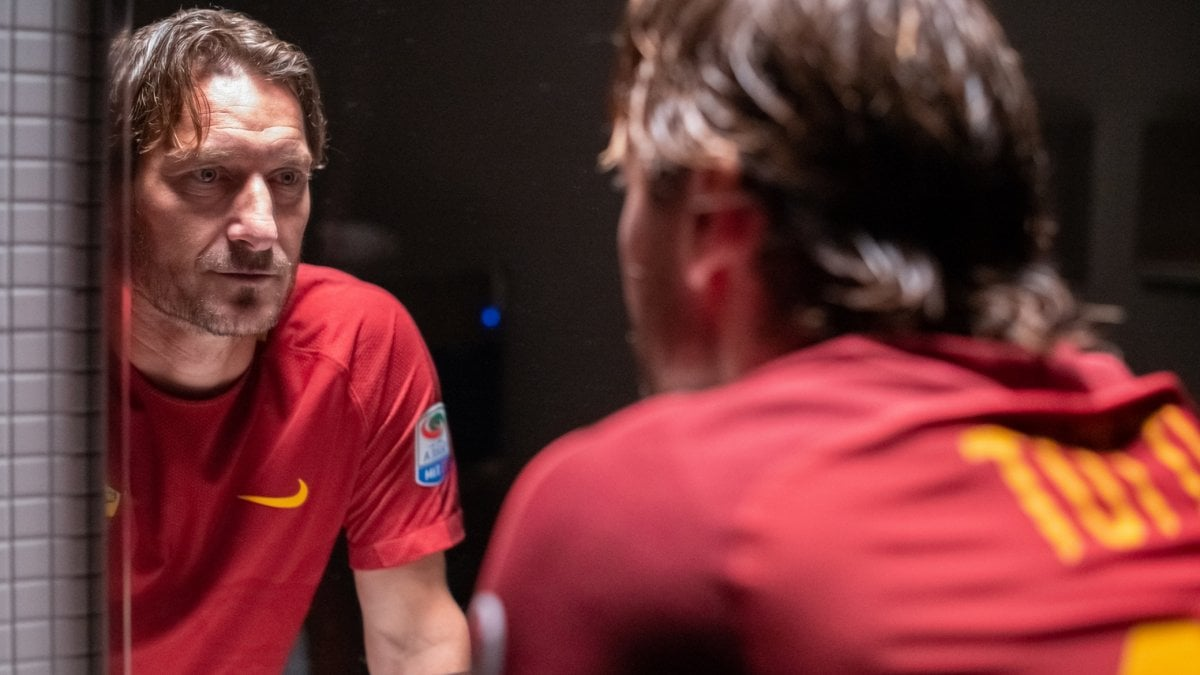 Festa di Roma Totti non ce ma il suo film si. Infascelli E stato il coregista. Sua assenza qui e ultimo capitolo del film