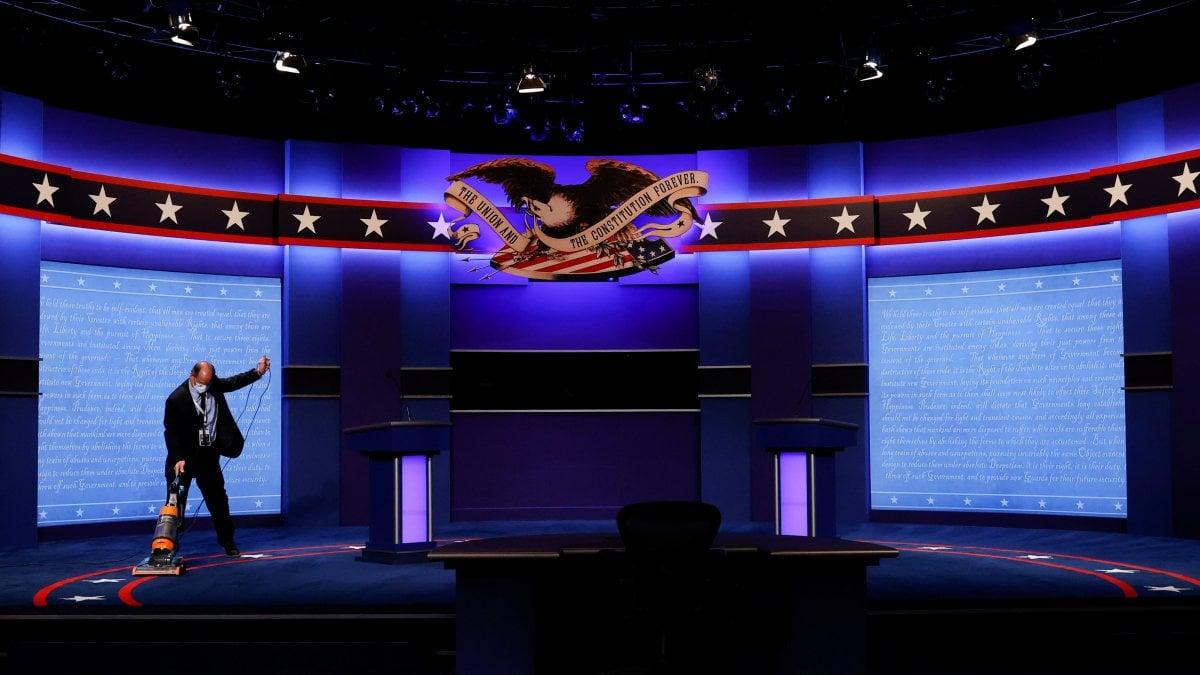 Il dibattito finale Trump Biden i candidati alla prova del microfono spento per evitare la rissa