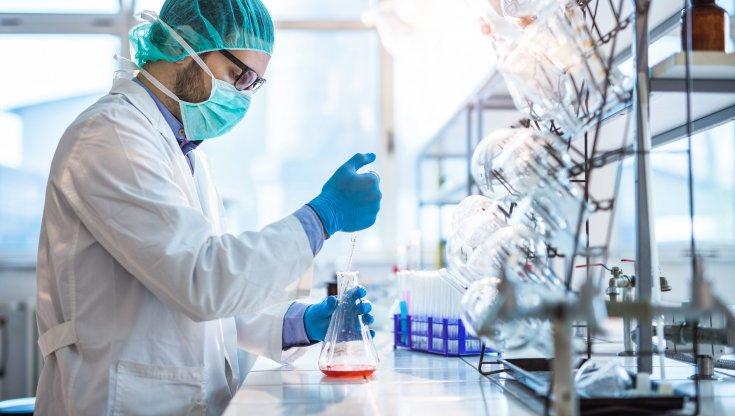 Manifattura italiana solo la Farmaceutica chiudera lanno con segno positivo. In coda moda e automotive