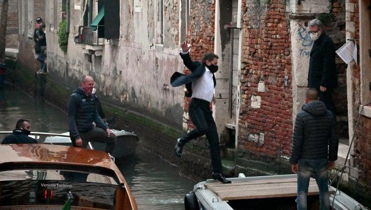 Mission Impossible si ferma a Venezia sei positivi al Covid
