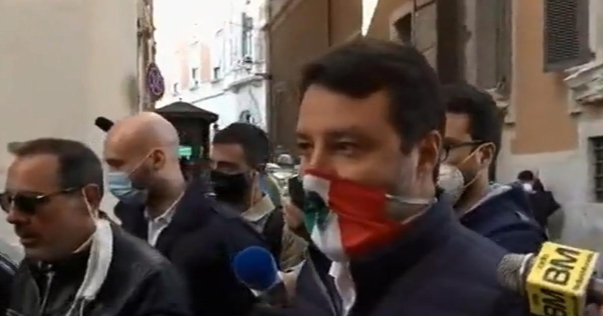 Non siamo un portacenere. Linviato della Panella provoca Salvini Disintegrati lui e il dpcm di Conte lo sfogo definitivo