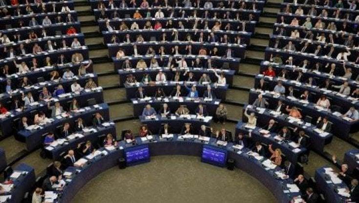 Parlamento europeo 5 Stelle e Lega votano contro la risoluzione per lutilizzo del Mes