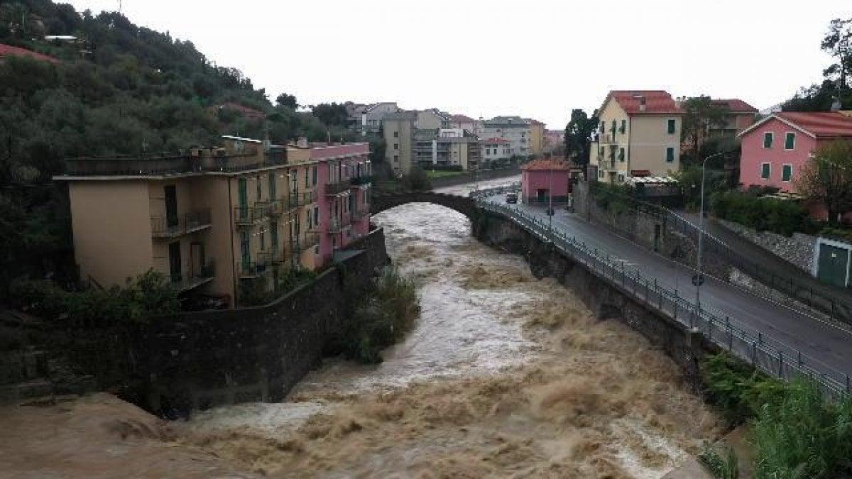 Per lItalia un weekend di forte maltempo allerta rossa in Liguria e Veneto