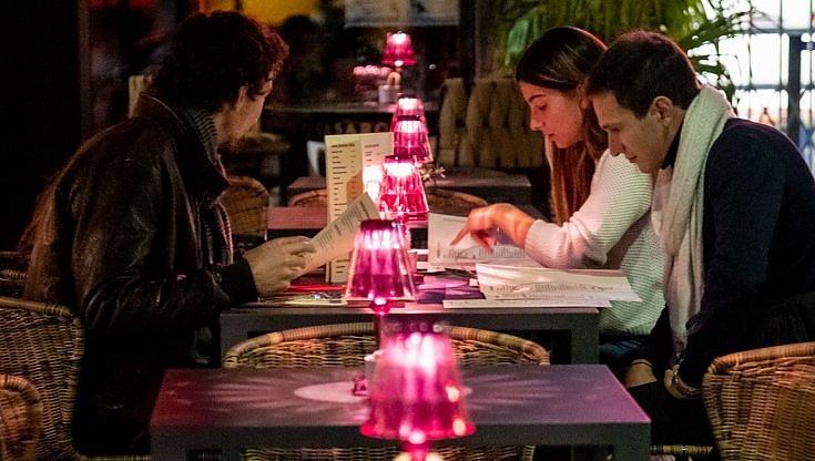 Studio Usa I positivi al Covid hanno frequentato ristoranti e bar piu spesso degli altri