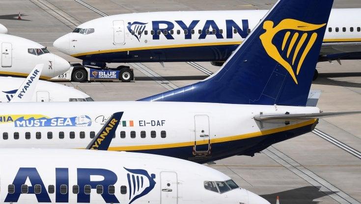 Voli cancellati lAntitrust Ryanair EasyJet Vueling e Blue Panorama offrono il rimborso dei biglietti