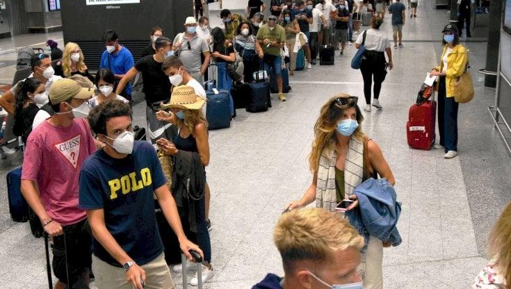 Voli cancellati per Covid le compagnie aeree non possono piu imporre il voucher