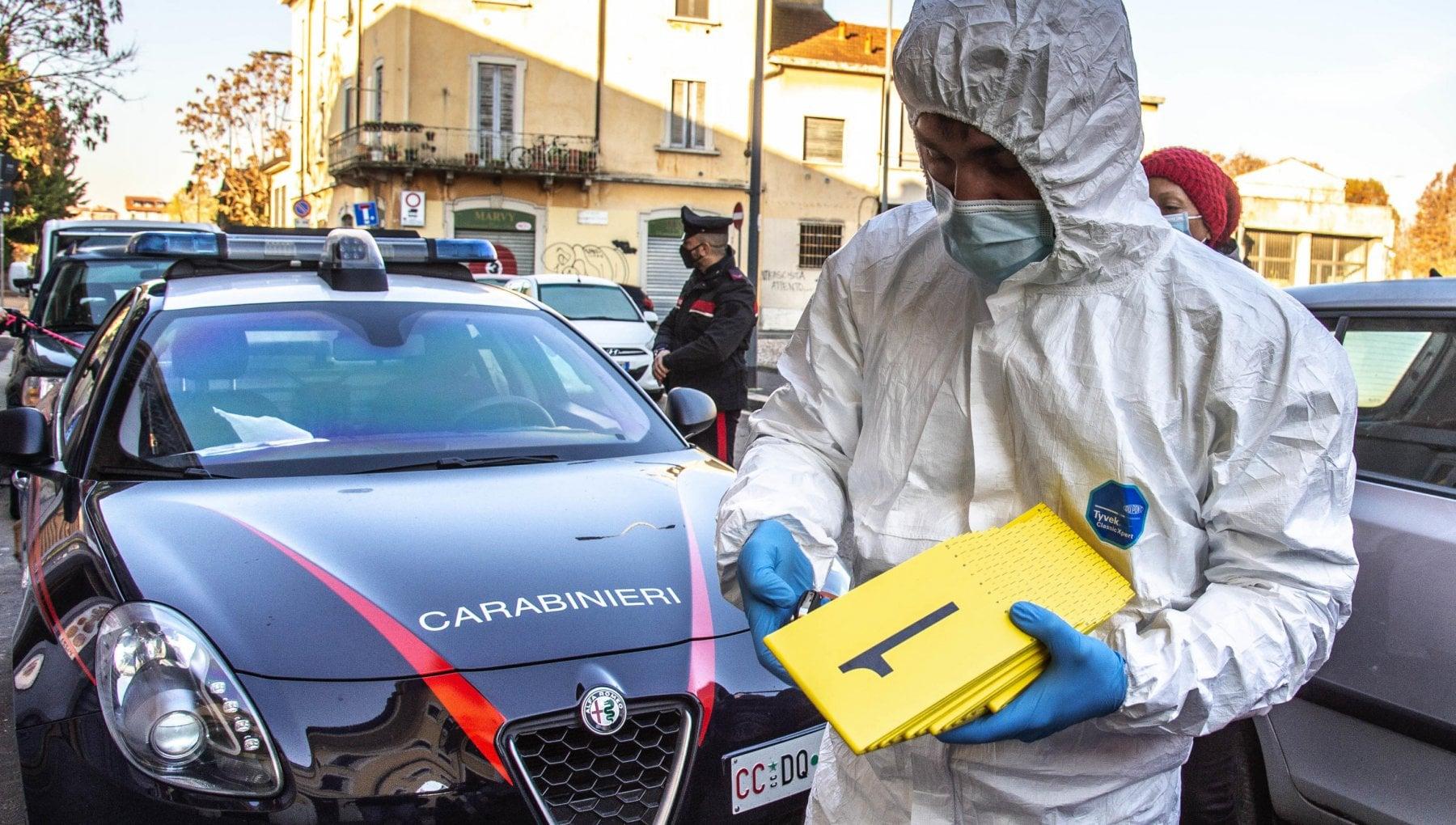 Accoltella moglie e suocera e tenta il suicidio a Milano le due donne sono gravissime