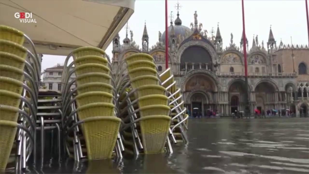 Acqua alta a Venezia un anno fa la notte da incubo il videoracconto a cura di Martina Coscetta