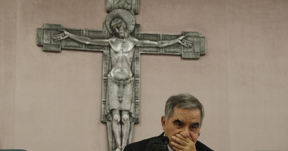 Anchio vittima del calunniatore di Becciu. Il giornalista che scoperchia lo scandalo lincredibile silenzio allombra del Papa