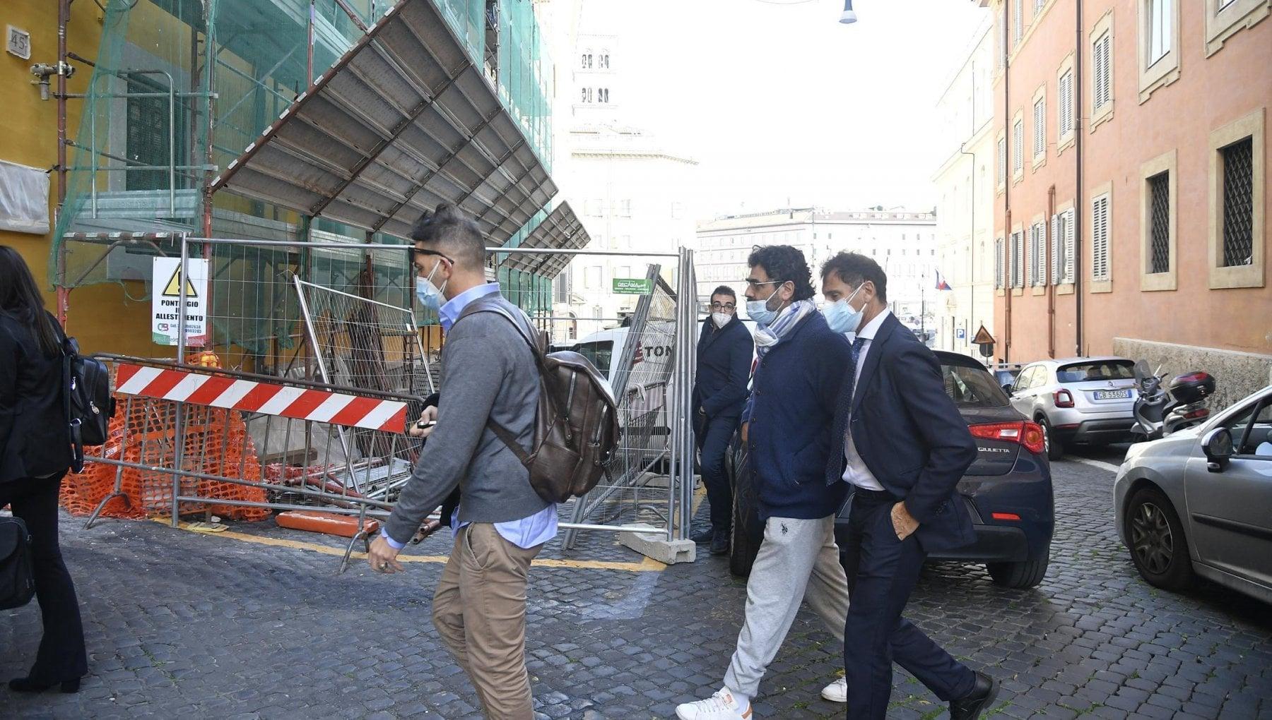 Arresti Autostrade le carte il top manager Donferri che cerca di far sparire i documenti e Castellucci che governa ancora