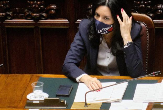 Azzolina ministra negazionista. Storace picchia duro Le basterebbe una calcolatrice quello che ignora