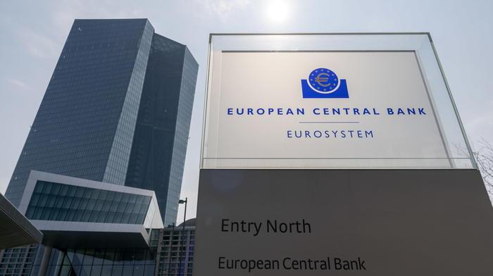 Bce la ripresa dellEurozona perde slancio piu delle attese