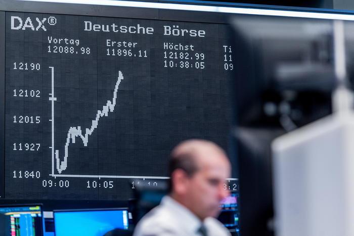 Borsa Europa positiva sale anche Wall Street Milano 06