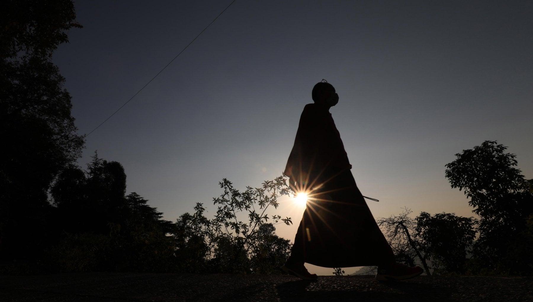 Buddha oggi sarebbe un ambientalista Il Dalai Lama suona lallarme sullemergenza clima