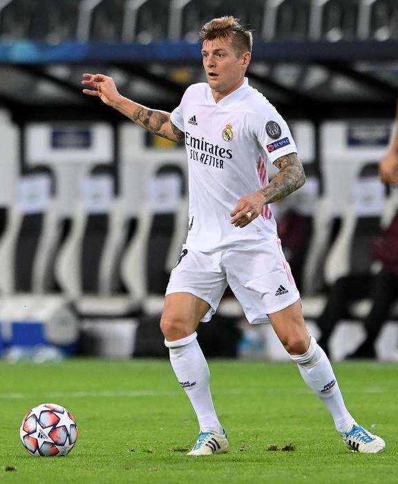 Calcio Kroos siamo burattini nelle mani di Fifa e Uefa