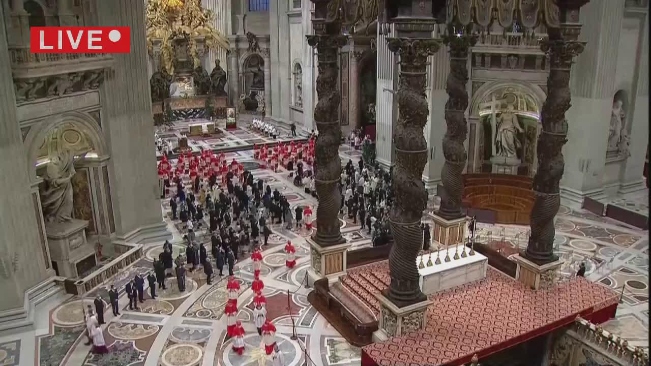 Concistoro in Vaticano Papa Francesco nomina 13 nuovi cardinali