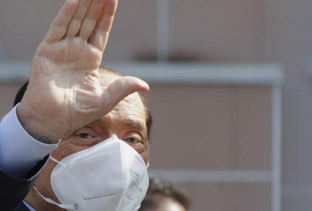 Condizioni di salute peggiorate negli ultimi giorni. Non solo Porta a Porta Berlusconi diserta laula cosa sta accadendo