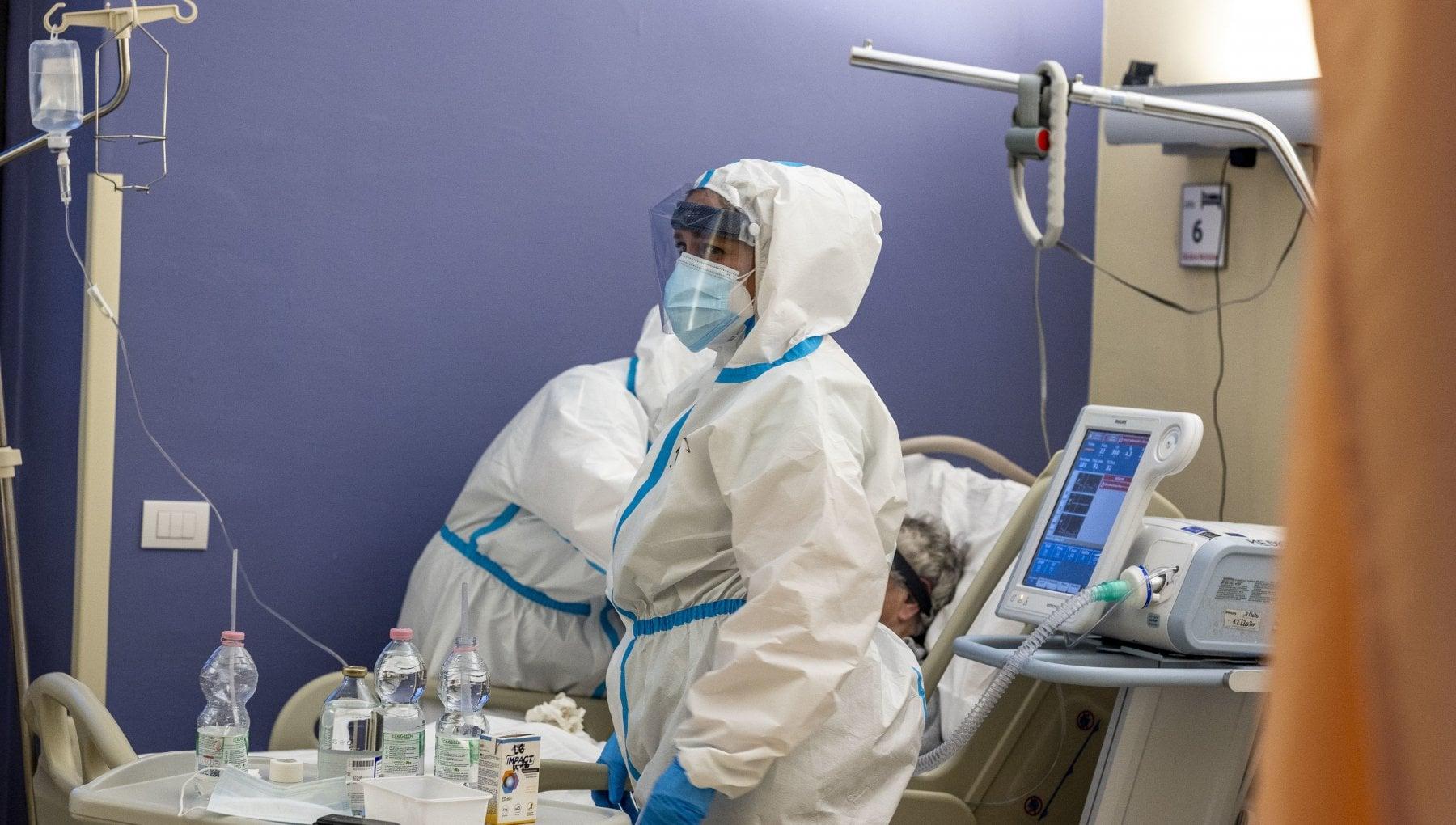 Coronavirus 201 i medici deceduti in Italia. Ventidue solo nella seconda ondata