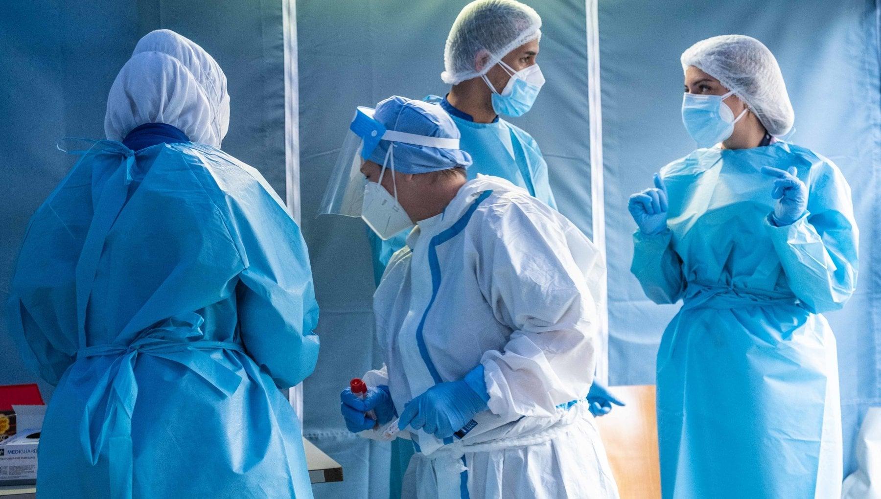 Coronavirus il bollettino di oggi 7 novembre oggi 39.811 casi 425 decessi