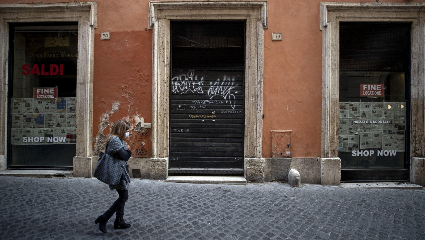 Coronavirus nel Lazio tutti i negozi chiusi alle 21 nuova ordinanza della Regione