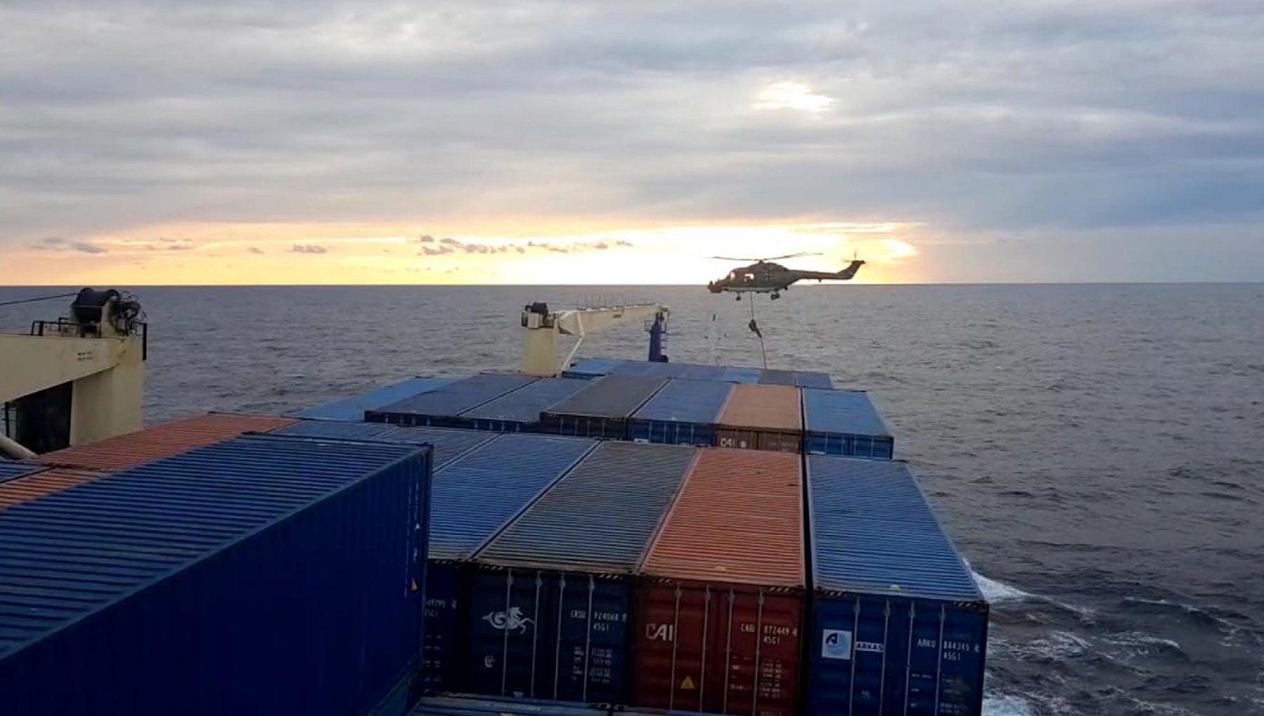 Crisi Ankara Europa per lispezione militare alla nave turca