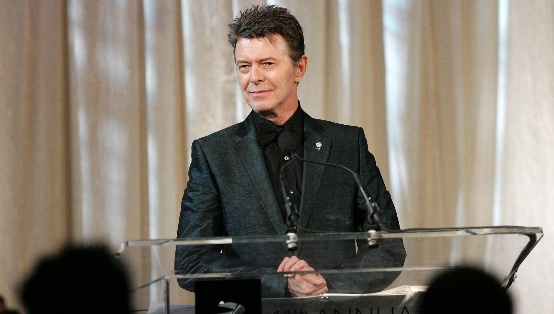 I cento libri che fecero David Bowie la formazione letteraria di una rockstar