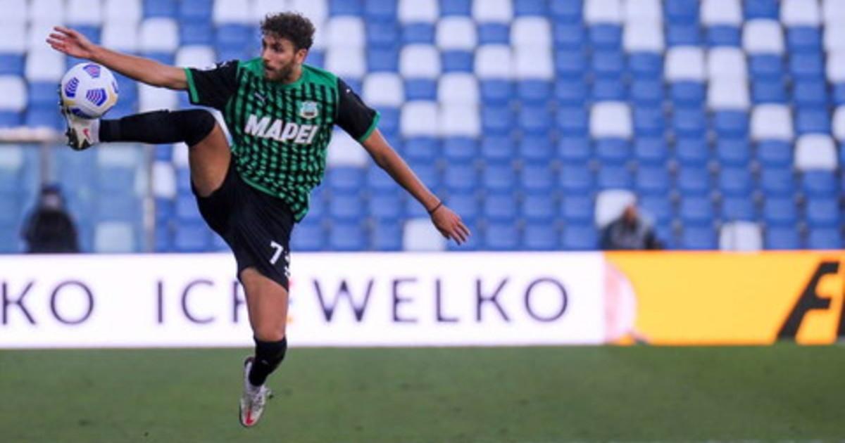 Il Sassuolo batte il Napoli al San Paolo ed e secondo in classifica