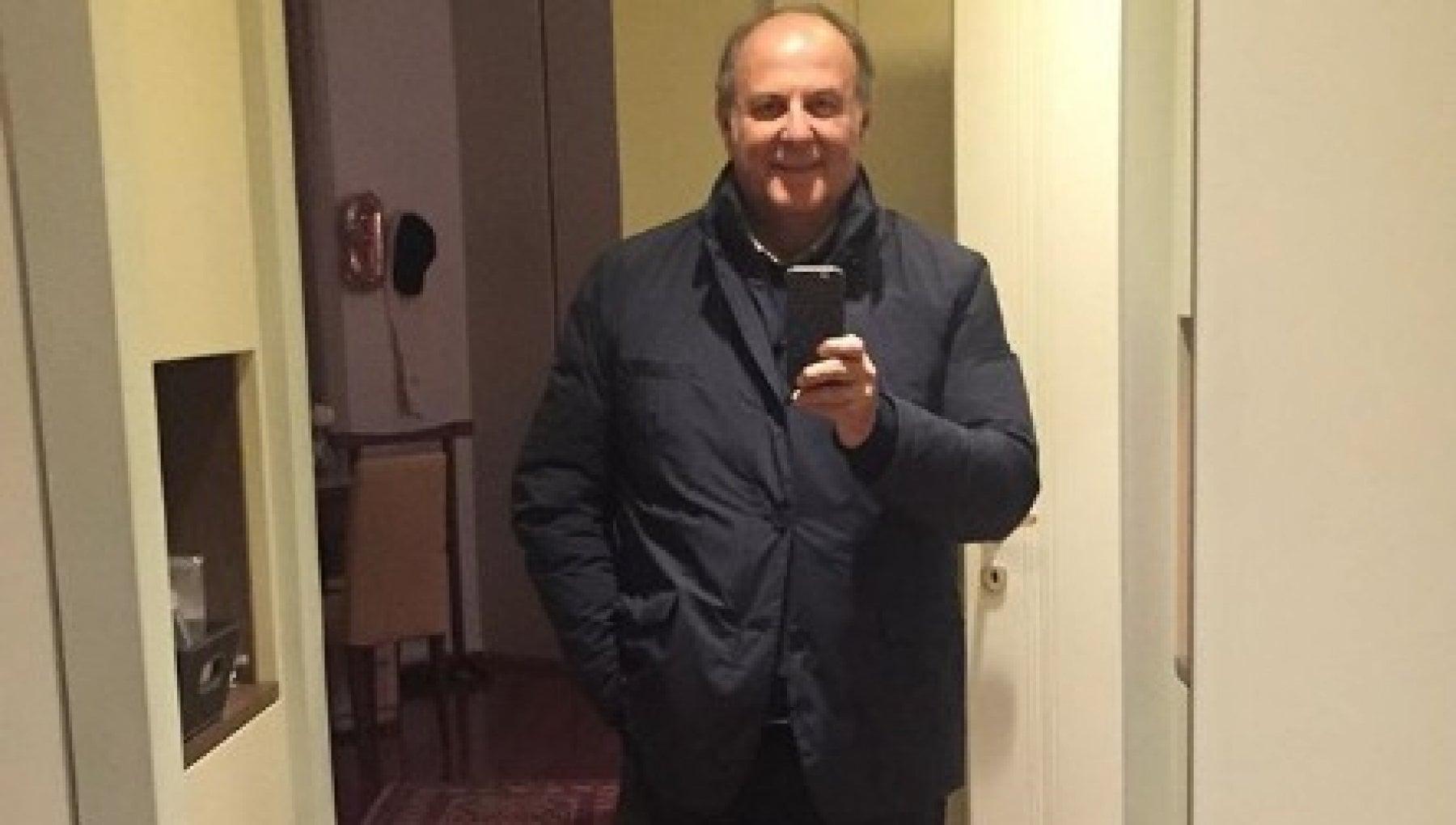 Il selfie post Covid di Gerry Scotti Finalmente a casa