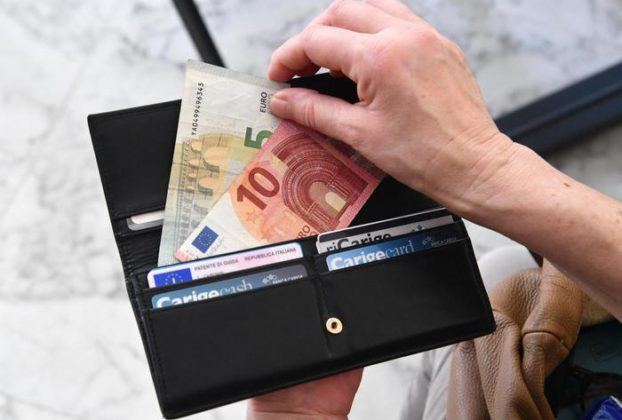 Inflazione Istat resta negativa a novembre 02