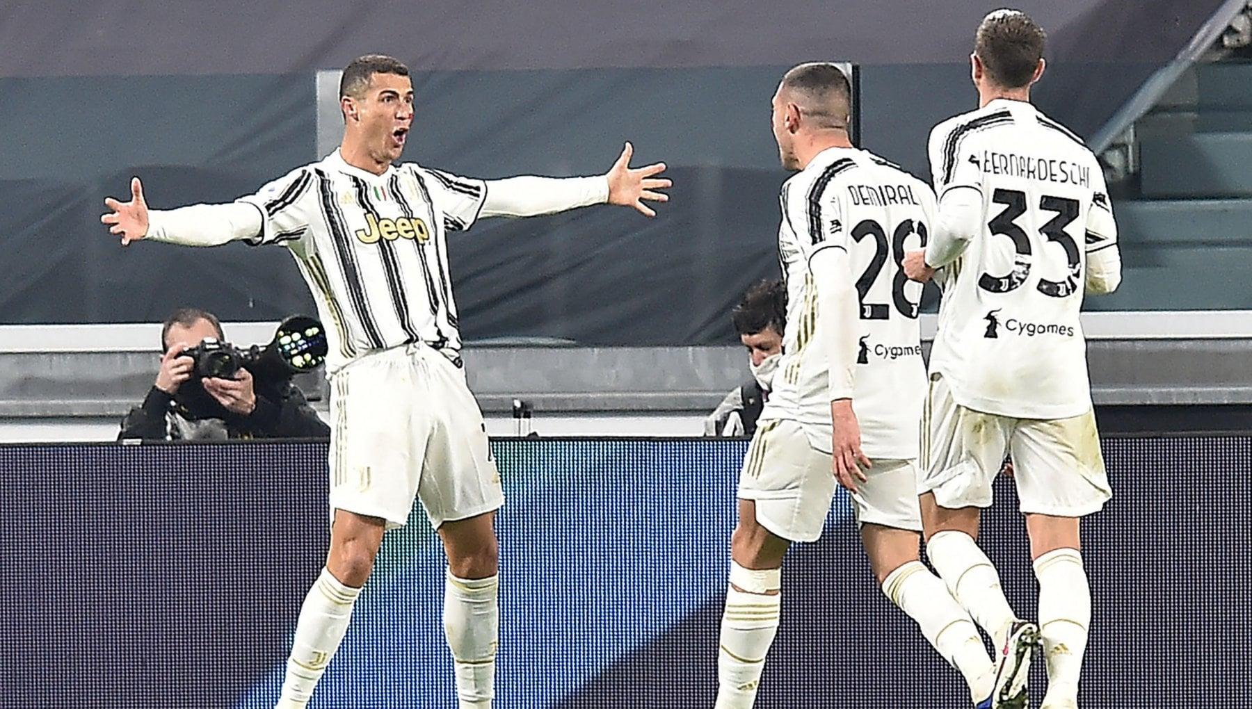 Juventus Cagliari 2 0 doppietta di Ronaldo bianconeri a 1 dal Milan