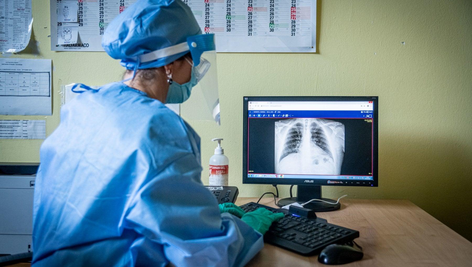 Lecografia piu efficace del tampone nello scoprire la polmonite da Covid 19
