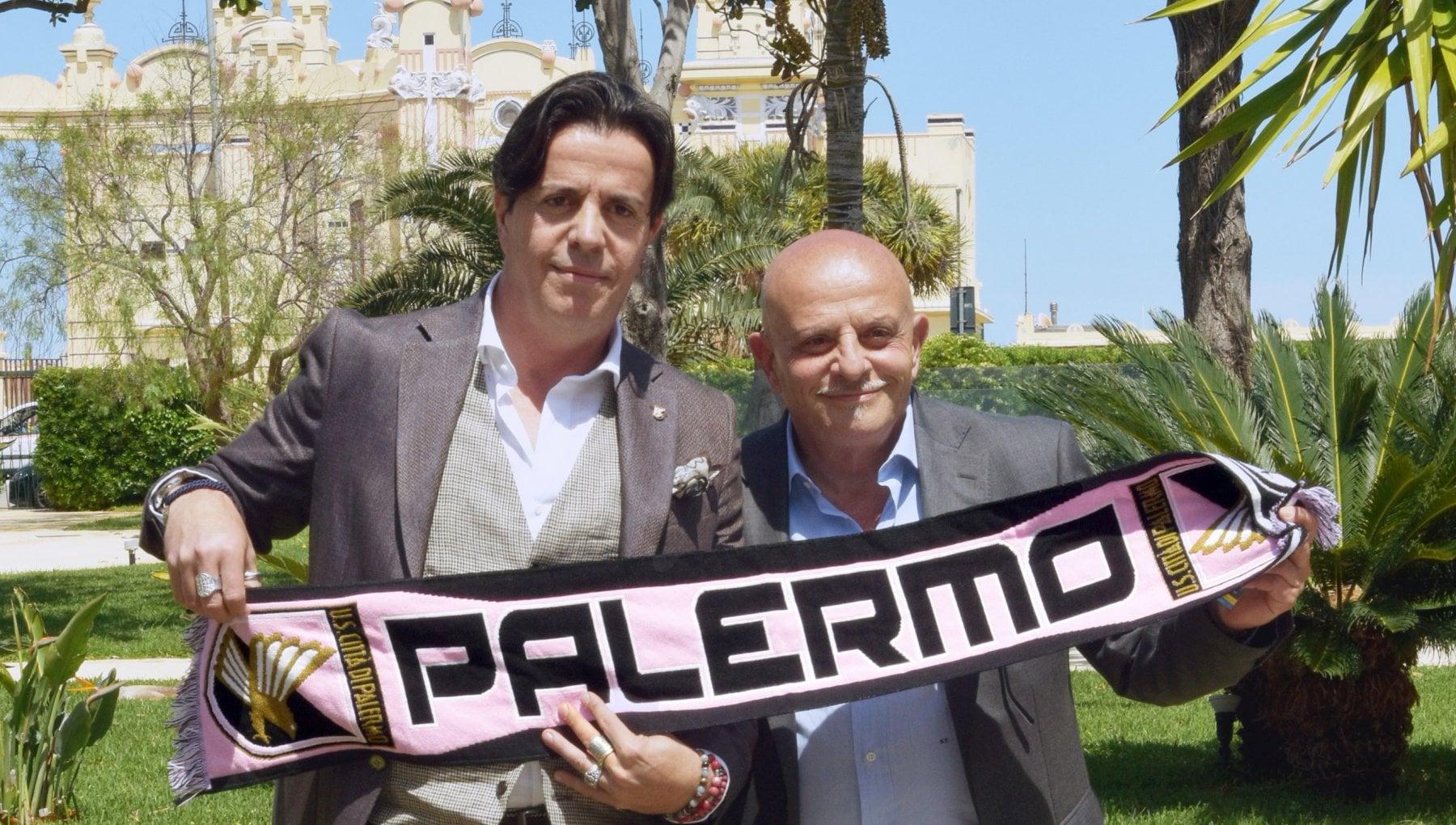 Linchiesta sul Palermo calcio i soldi della societa in pacchi di caffe bollette e in una ditta di costruzioni