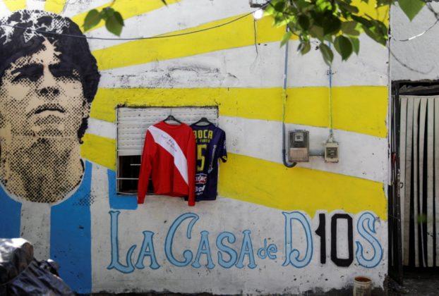 Maradona la magistratura indaga sull ipotesi di una negligenza dei soccorsi