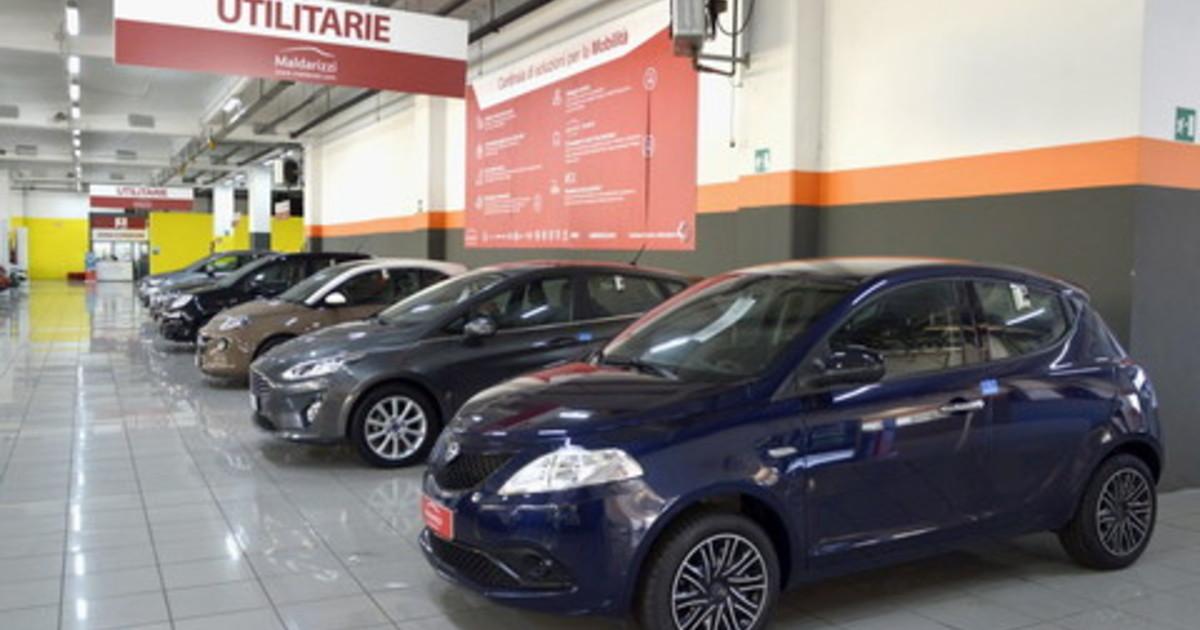 Mercato auto fermo per settore senza intervento consistente affonda