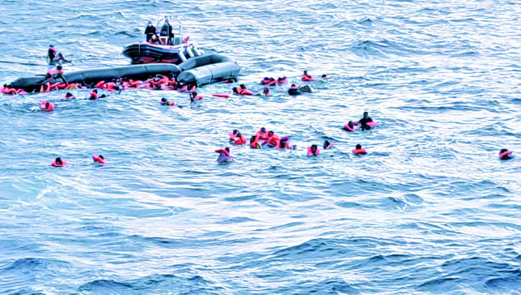 Migranti altri due naufragi al largo della Libia. Morte 94 persone. Oim Stati incapaci di ricerca e soccorso