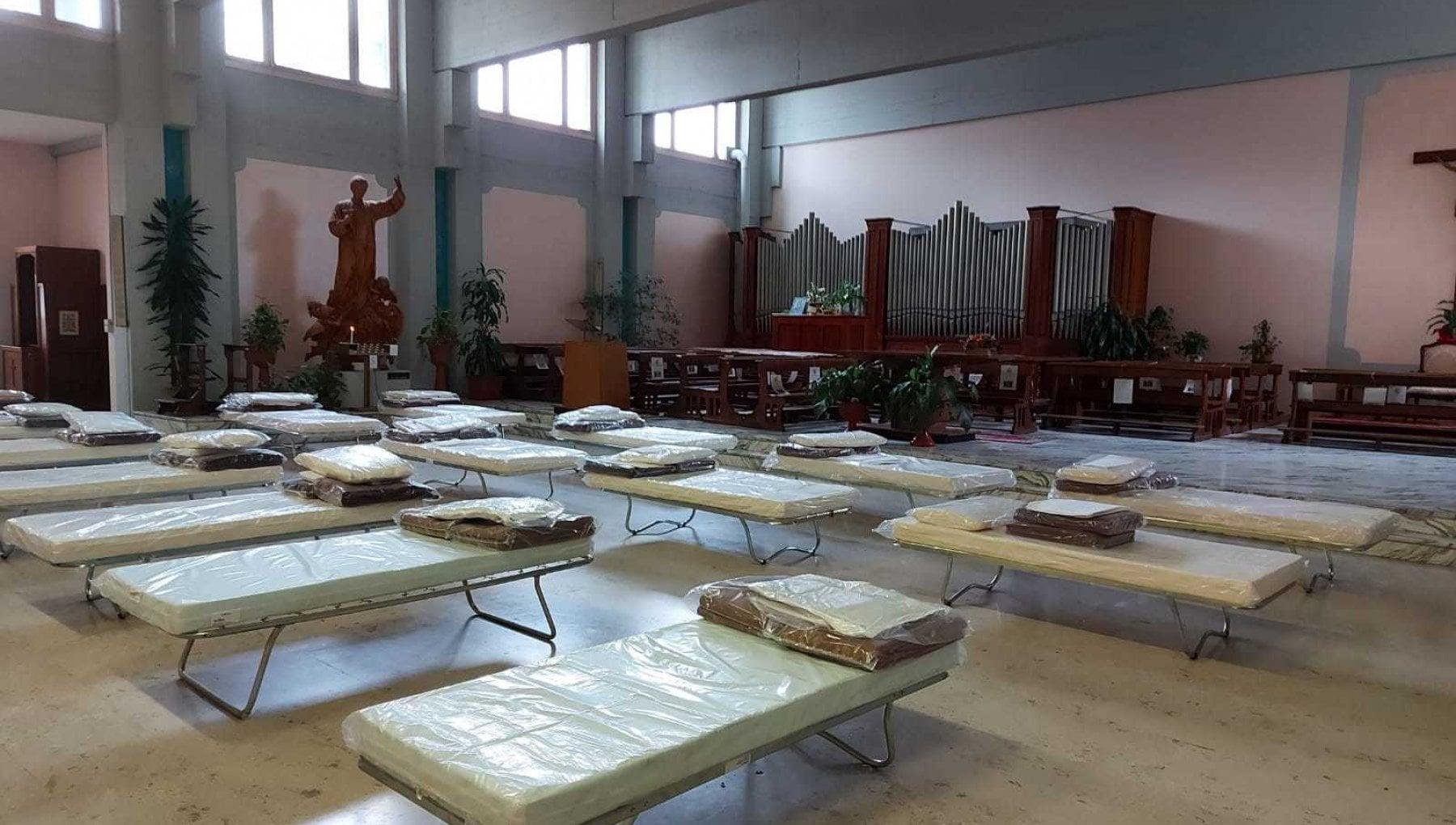 Non ce piu posto letti anche in chiesa al San Luigi di Orbassano. Si pensa anche alla sala convegni