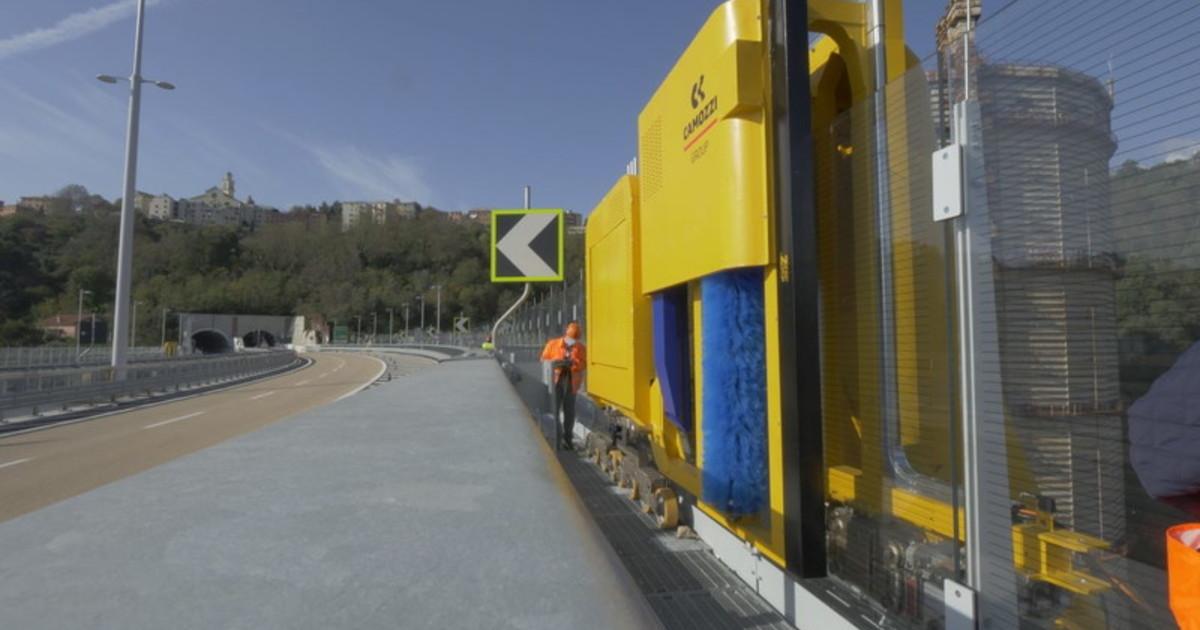 Robot in azione sul nuovo Ponte di Genova
