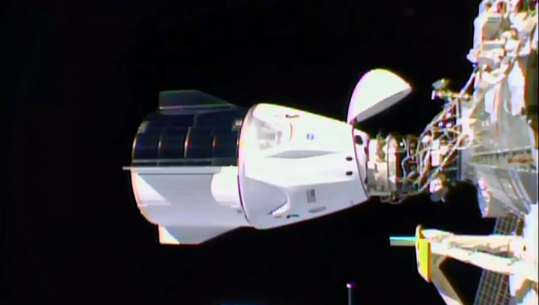 Space X la capsula Crew Dragon ha raggiunto la Stazione spaziale