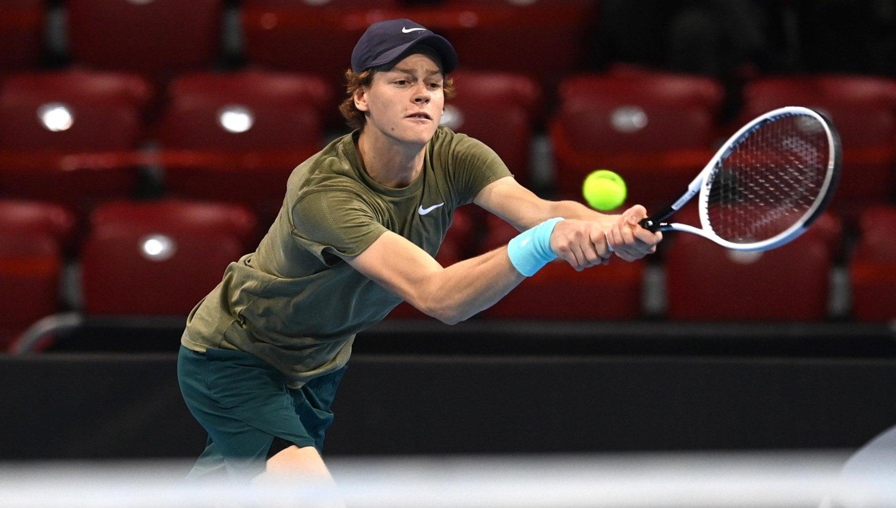Tennis primo trionfo di Sinner in carriera battuto Pospisil in finale a Sofia
