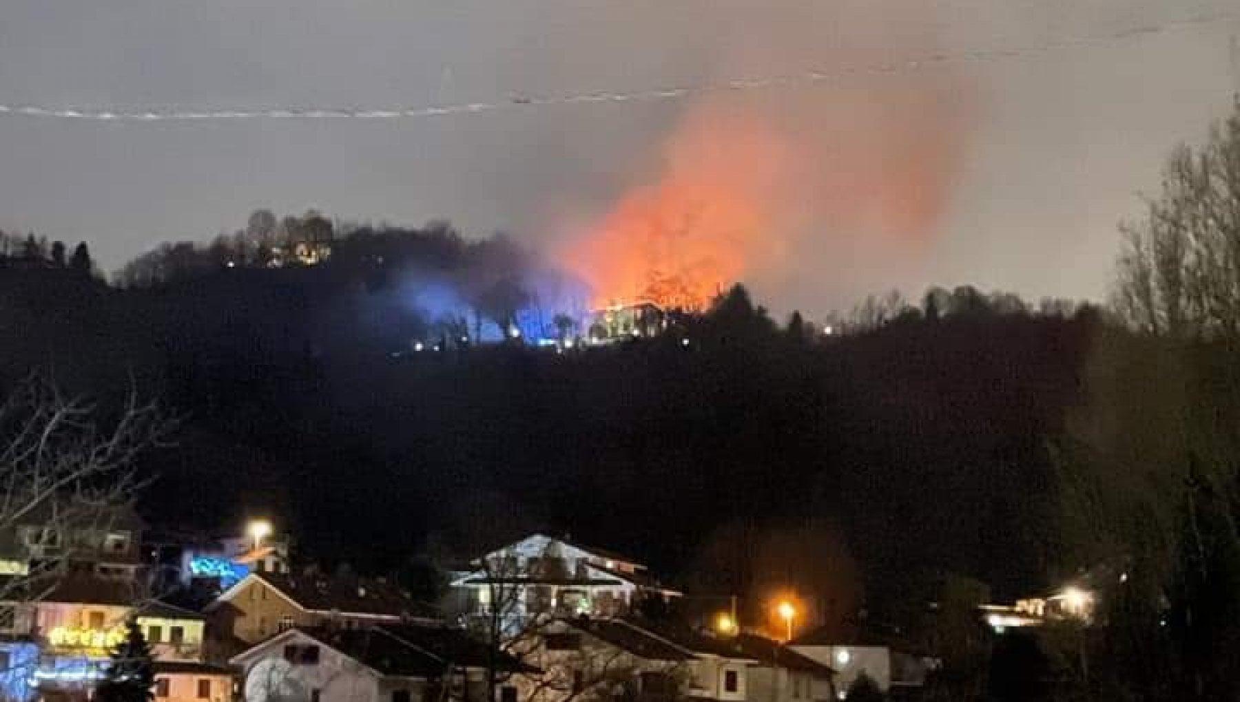 A fuoco la villa della famiglia Cordero di Montezemolo a Castiglione Torinese